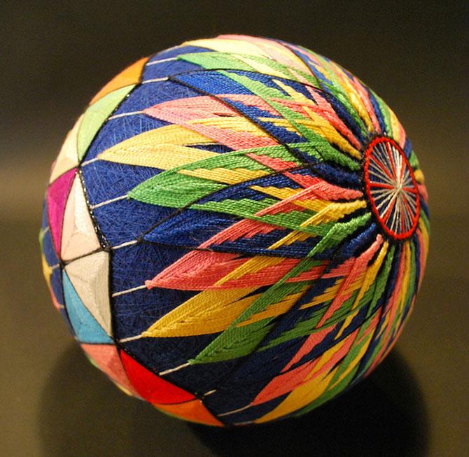 Batrana de 92 de ani si globurile colorate - Poza 7
