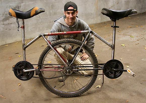 Doi pe jumatate de bicicleta - Poza 1