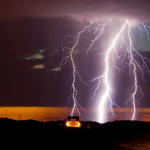 39 de fotografii uimitoare ale fulgerelor - Poza 19