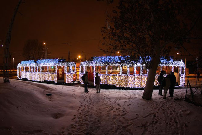 Superbele trenuri cu LED-uri de la Budapesta - Poza 4