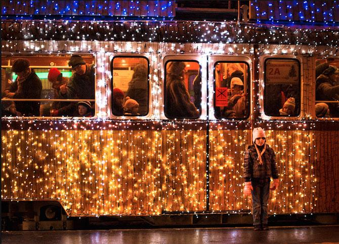 Superbele trenuri cu LED-uri de la Budapesta - Poza 6