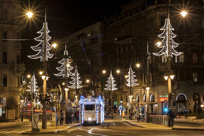 Superbele trenuri cu LED-uri de la Budapesta - Poza 7