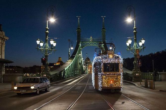 Superbele trenuri cu LED-uri de la Budapesta - Poza 9