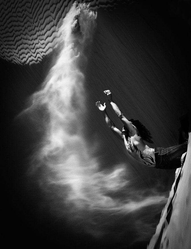 Unde de nisip in alb si negru, de Evelina Pentcheva - Poza 2