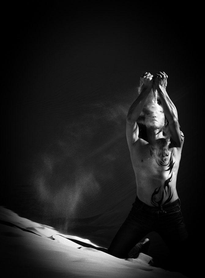 Unde de nisip in alb si negru, de Evelina Pentcheva - Poza 3