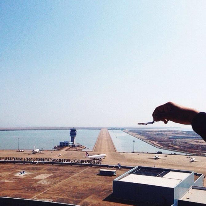 Cu avionul de jucarie, de Varun Thota - Poza 5