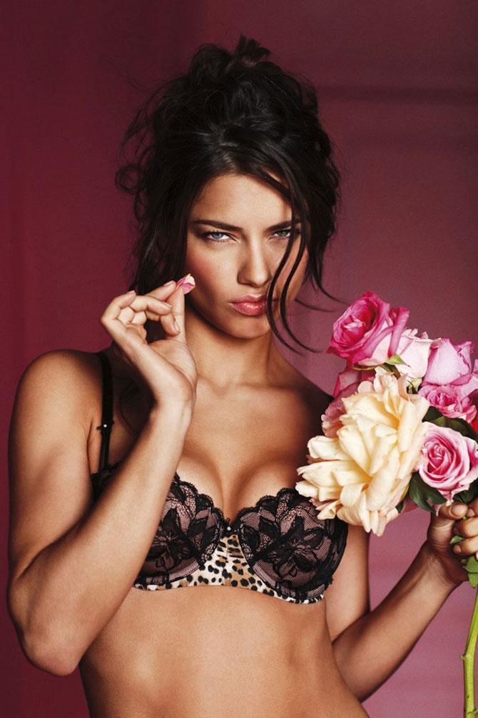 Modelele Victoria's Secret au pozat pentru Valentines Day - Poza 1