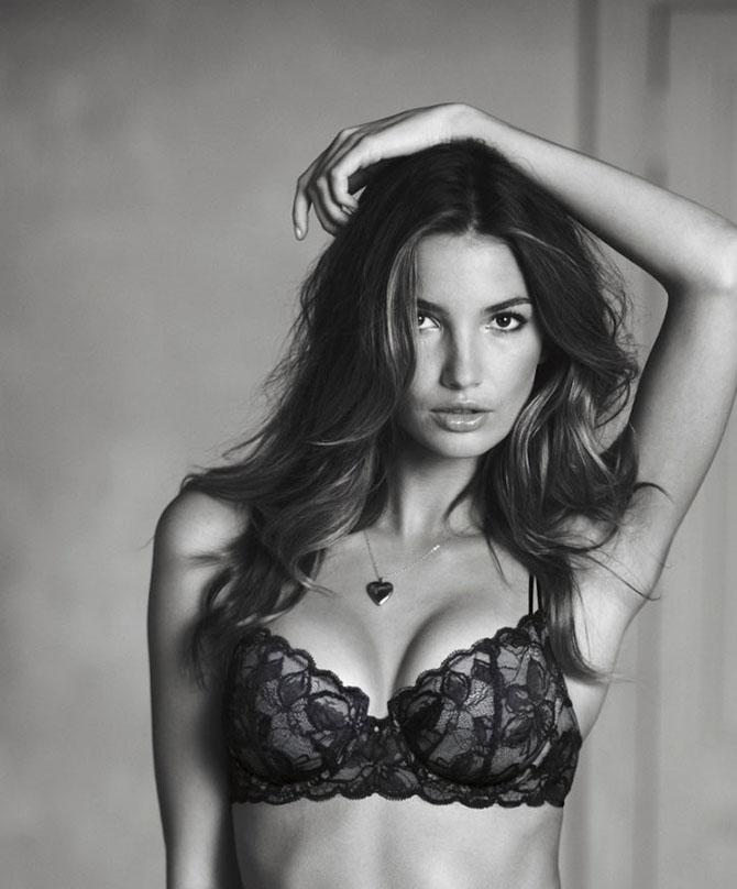 Modelele Victoria's Secret au pozat pentru Valentines Day - Poza 15