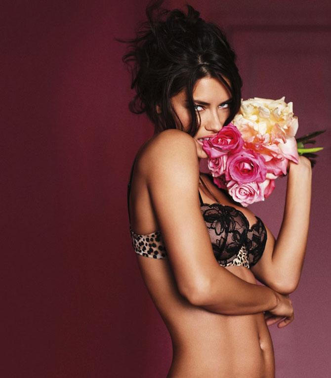 Modelele Victoria's Secret au pozat pentru Valentines Day - Poza 23