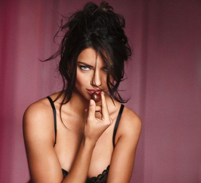 Modelele Victoria's Secret au pozat pentru Valentines Day - Poza 5