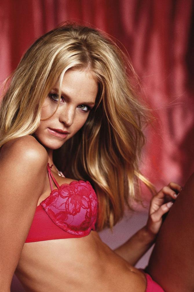 Modelele Victoria's Secret au pozat pentru Valentines Day - Poza 6