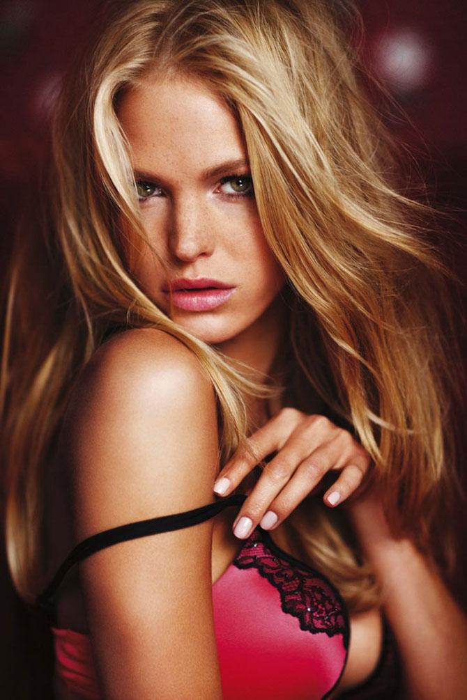 Modelele Victoria's Secret au pozat pentru Valentines Day - Poza 7