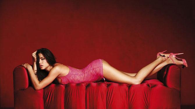 Modelele Victoria's Secret au pozat pentru Valentines Day - Poza 9