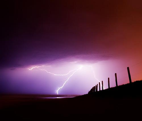 39 de fotografii uimitoare ale fulgerelor - Poza 29