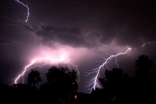 39 de fotografii uimitoare ale fulgerelor - Poza 26