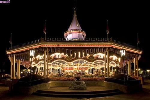 Fotografiile unui carusel plin de culoare - Poza 7