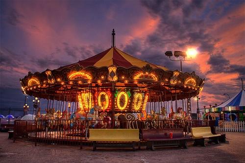 Fotografiile unui carusel plin de culoare - Poza 9