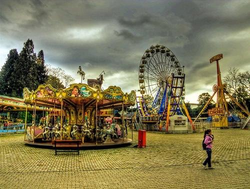 Fotografiile unui carusel plin de culoare - Poza 16