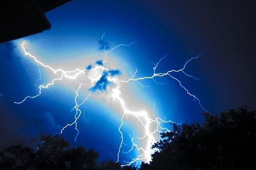39 de fotografii uimitoare ale fulgerelor - Poza 27