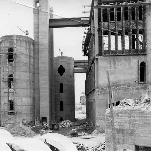 O fosta fabrica de ciment... - Poza 3