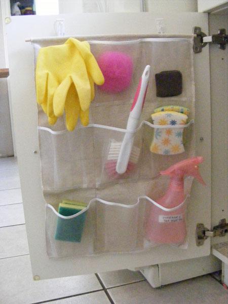 Bai mici: Idei de organizare pentru spatiul de sub chiuveta