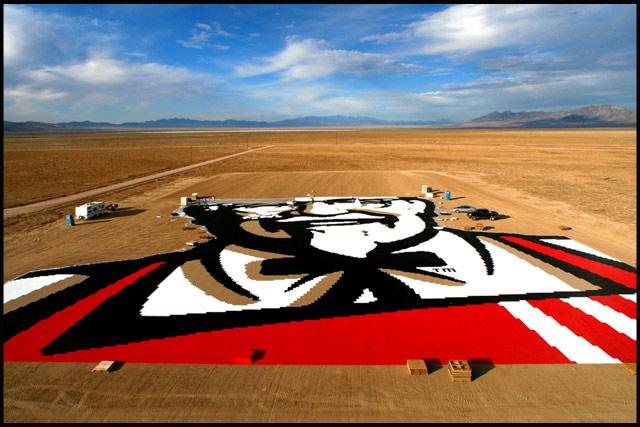 Cel mai mare logo KFC? - Poza 1