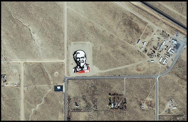 Cel mai mare logo KFC? - Poza 3
