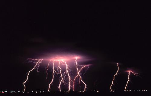 39 de fotografii uimitoare ale fulgerelor - Poza 14