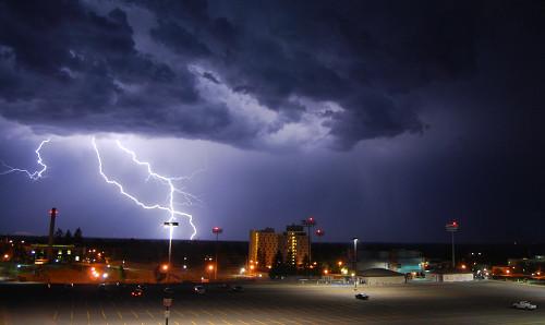 39 de fotografii uimitoare ale fulgerelor - Poza 17