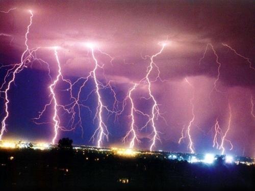 39 de fotografii uimitoare ale fulgerelor - Poza 28