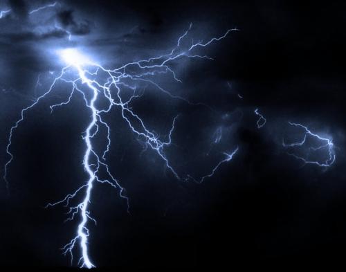 39 de fotografii uimitoare ale fulgerelor - Poza 34