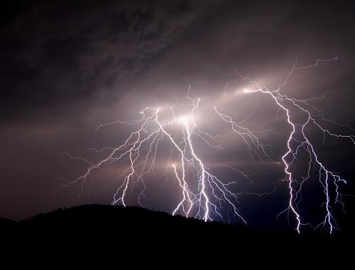39 de fotografii uimitoare ale fulgerelor - Poza 15