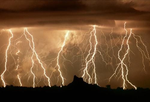 39 de fotografii uimitoare ale fulgerelor - Poza 6