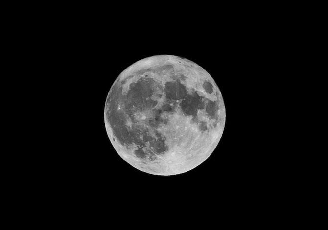 26 de fotografii superbe cu Luna - Poza 14