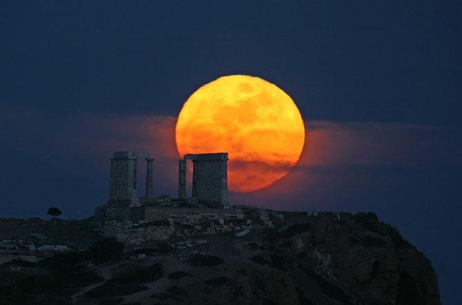 26 de fotografii superbe cu Luna - Poza 19