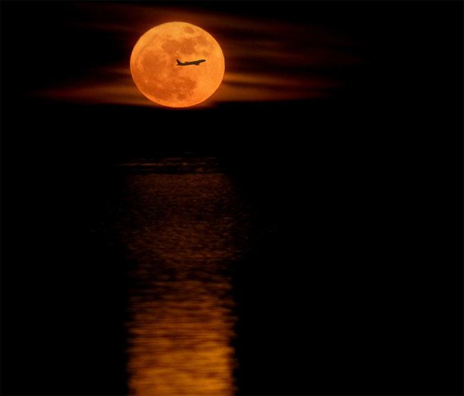 26 de fotografii superbe cu Luna - Poza 2