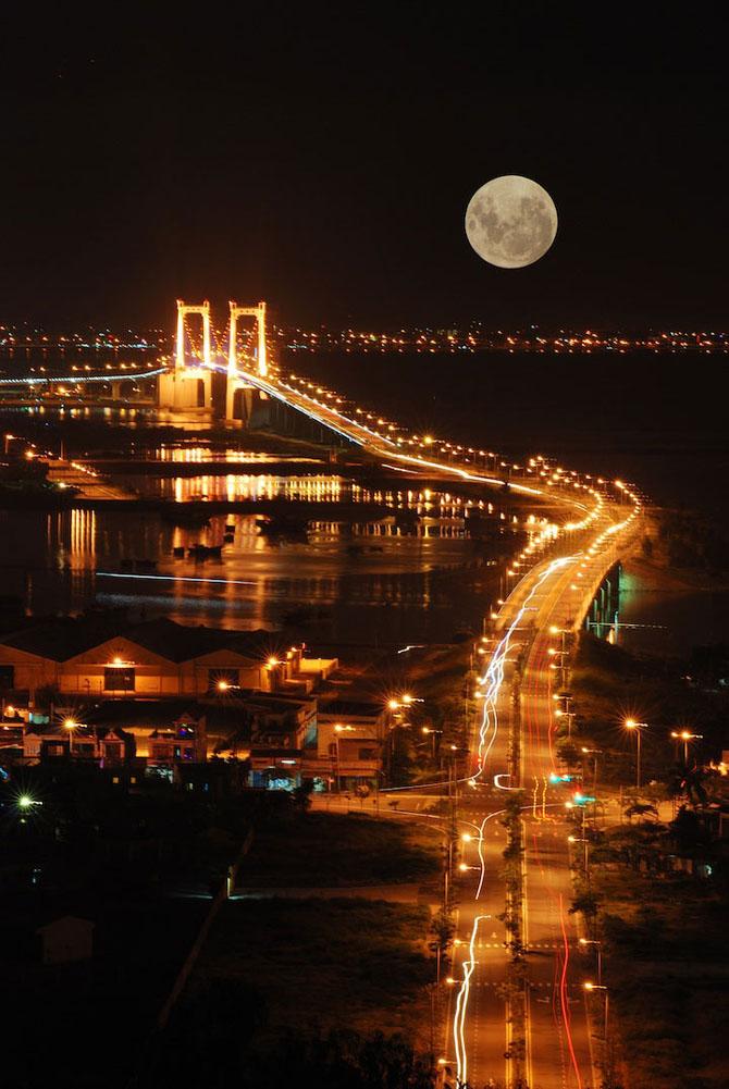 26 de fotografii superbe cu Luna - Poza 23