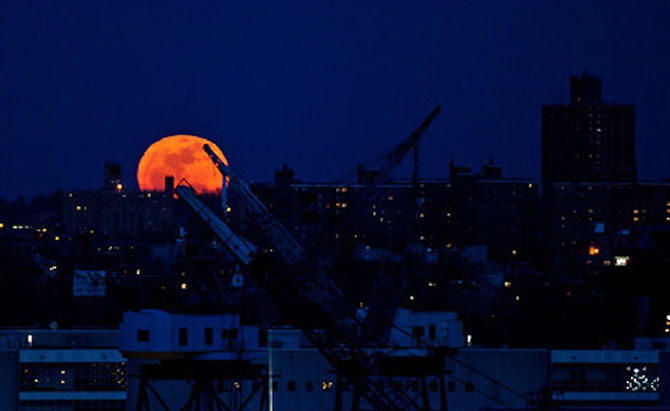 26 de fotografii superbe cu Luna - Poza 25