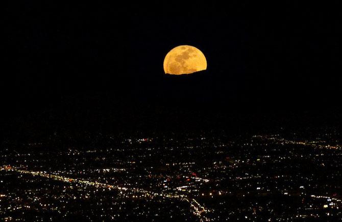 26 de fotografii superbe cu Luna - Poza 8