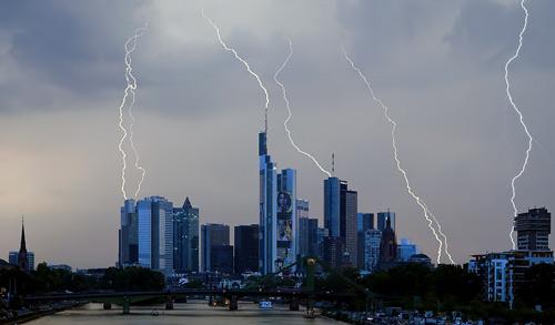 39 de fotografii uimitoare ale fulgerelor - Poza 33