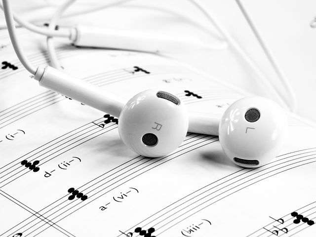 Ce spune muzica pe care o asculti despre personalitatea ta - Poza 1