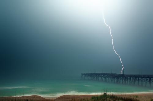 39 de fotografii uimitoare ale fulgerelor - Poza 22