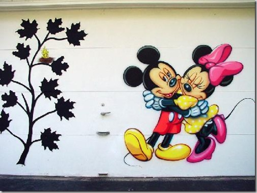 24 de picturi fenomenale pe usile garajelor - Poza 24