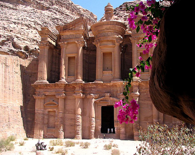 Petra, orasul sapat in piatra - Poza 1