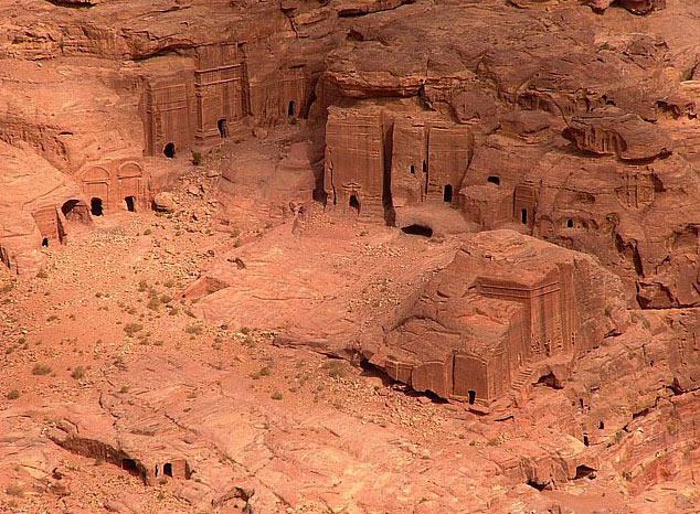 Petra, orasul sapat in piatra - Poza 3