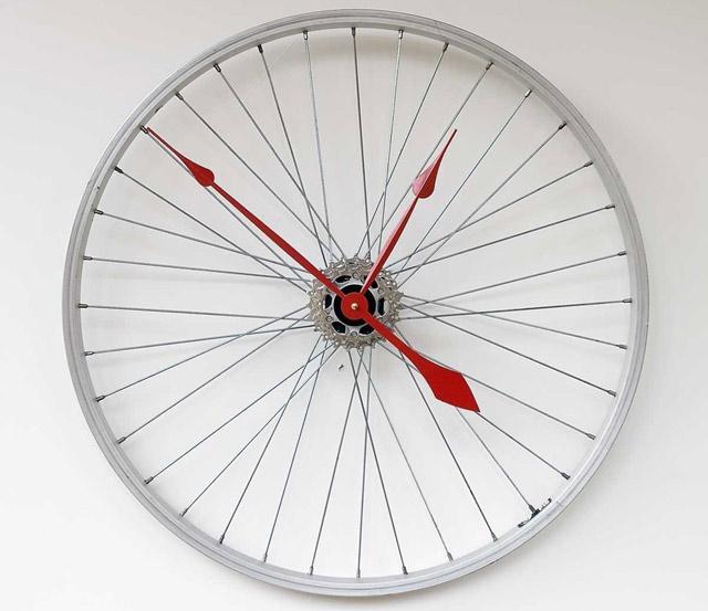 Ceasul din roata de bicicleta - Poza 1