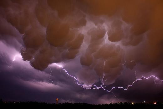 Natura dezlantuita: 30 de poze cu furtuni - Poza 9