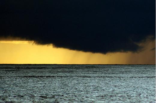 Natura dezlantuita: 30 de poze cu furtuni - Poza 11
