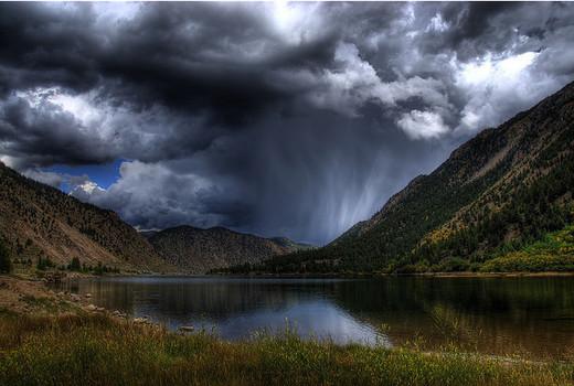Natura dezlantuita: 30 de poze cu furtuni - Poza 16