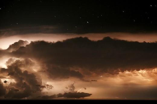 Natura dezlantuita: 30 de poze cu furtuni - Poza 20